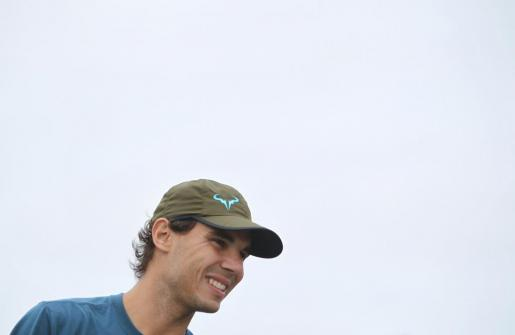 El tenista español Rafael Nadal, número uno del mundo en el ranking del ATP, visitó el 19 de noviembre de 2013 uno de los asentamientos precarios de Buenos Aires.