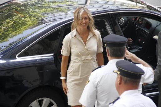 La delegada del Gobierno, Teresa Palmer, es la única autoridad de la Administración central que tiene a su disposición un vehículo oficial para sus desplazamientos.