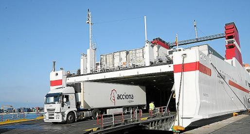 El transporte de mercancías prima sobre los pasajeros en temporada baja.