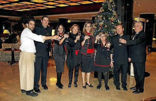 Marcos Carrero, Juan Umpierrez, Emilia Calvo, Amaia Landeta, Pilar Riutort, Loli López, Antonio Ortiz y Antonio González.