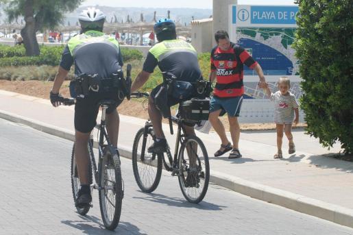 La Policía Turística se verá reforzada de cara a la temporada alta.