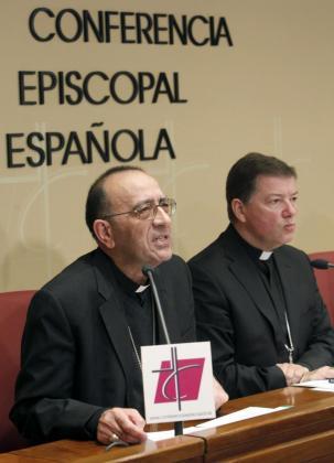 Monseñor Juan Antonio Martínez Camino, en la presentación del documento 'Declaración ante la crisis moral y económica'