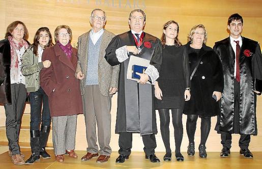 Bárbara Font, Rosa Valdivia, Rosa Servera, Miquel, Joan y Elena Font, Dolores Carvajal y Miquel Font.