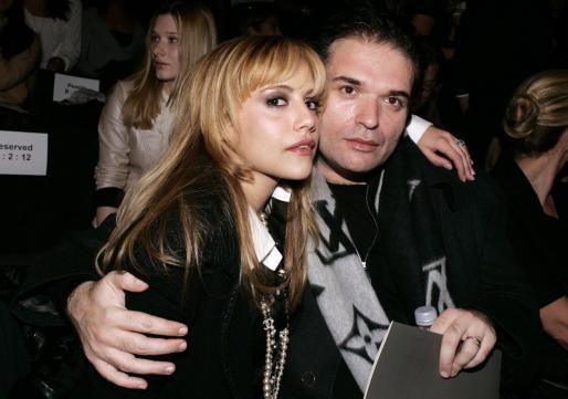 Imagen de archivo de la actriz Brittany Murphy con su marido, Simon Monjack.