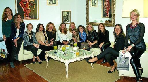 Patricia Coll, Cristina Verdera, María Magdalena Binimelis, Mónica Guma, Linita Isern, Gema Muñoz, Sandra Horrach, Alejandra Blanes, María Canudas, Montse García, Maguita Horrach, Marlen Dols y Aina Aguilo.