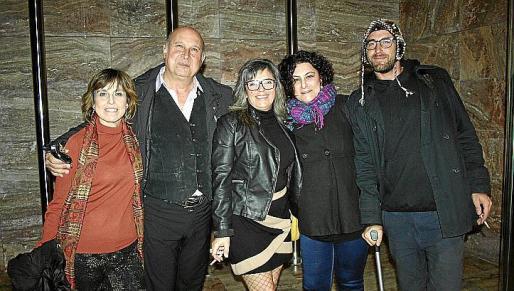 Maribel Cañellas, Mariano Mayans, Catalina Frontera, Araceli Marcos y Fede Domestico.