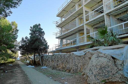Imagen de las obras en el sector del acueducto que se aproxima al mar.
