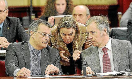 Tadeo (Menorca), Salom (Mallorca) y Serra (Eivissa) en una imagen de archivo del Parlament.