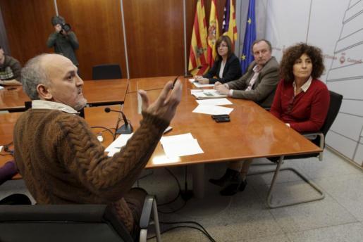 Jaume Estarellas junto a los consellers Pepa Costa, Mariano Juan y Pepita Costa, ayer en el Consell.