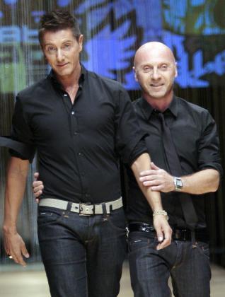 Domenico Dolce (dcha.) y Stefano Gabbana en uno de sus desfiles.