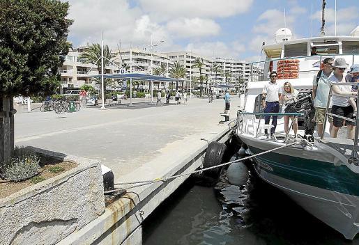 Un punto de vertido de aguas fecales fue el puerto de Vila.