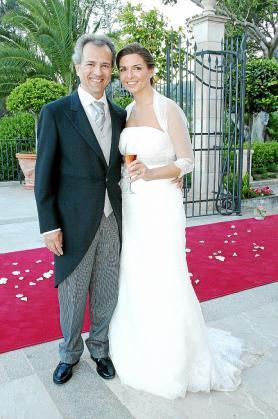 Bartomeu Ramis Oliver y Rosa Molina Ramos, en la terraza del Castillo Hotel Son Vida.