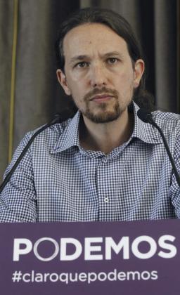El líder de Podemos, Pablo Iglesias durante la primera rueda de prensa que ha ofrecido tras las elecciones europeas del pasado domingo, en las que esta formación ha logrado cinco eurodiputados.
