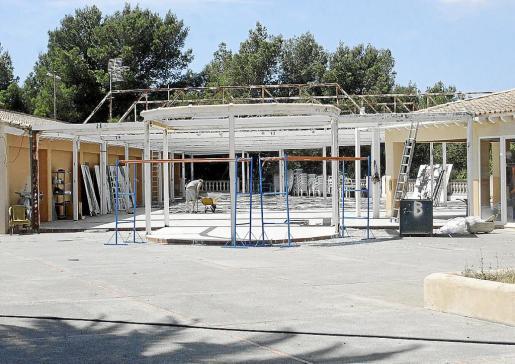 Las obras para reconvertir el parque acuático de Cap Martinet empezaron sin la correspondiente licencia.