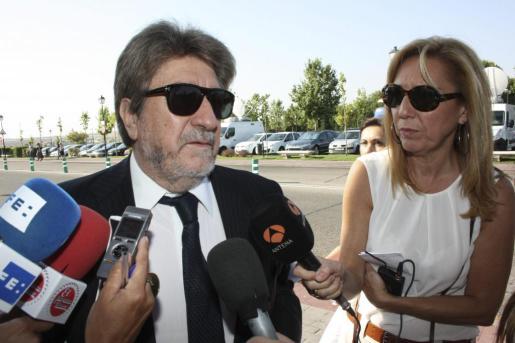 Andrés Vicente Gómez, viudo de Concha García Campoy.
