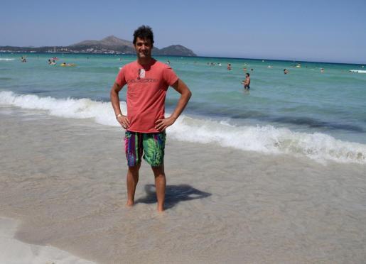 Jesulín de Ubrique en la playa de Muro-