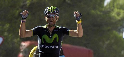 El murciano Alejandro Valverde se ha impuesto en la sexta etapa de la Vuelta Ciclista a España, además de situarse al frente de la clasificación general.