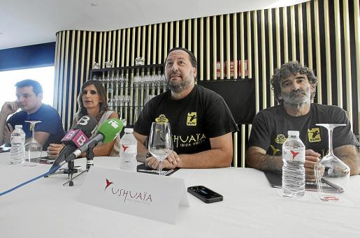 Juanan Ripoll, Javier Escandell, Carmen Matutes y Toni Gino, ayer en el Ushuaïa Tower.