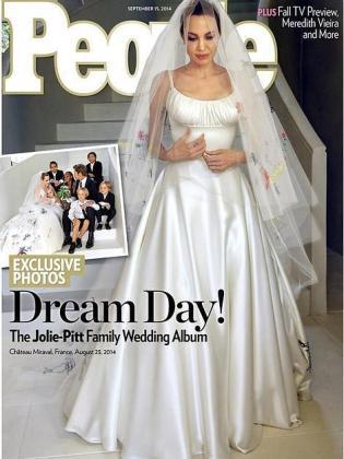People ilustra su portada con una fotografía de la pareja con sus seis hijos.