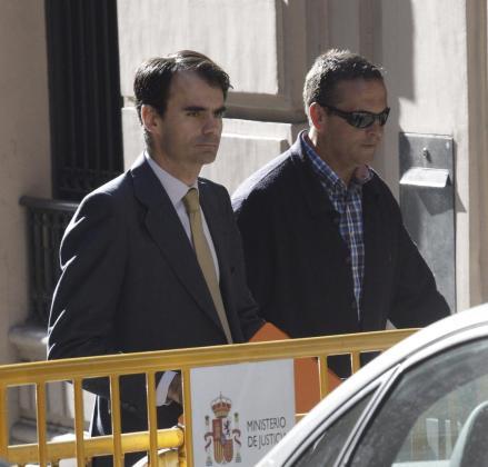 El juez del caso Gürtel, Pablo Ruz (i), a su llegada a la Audiencia Nacional.