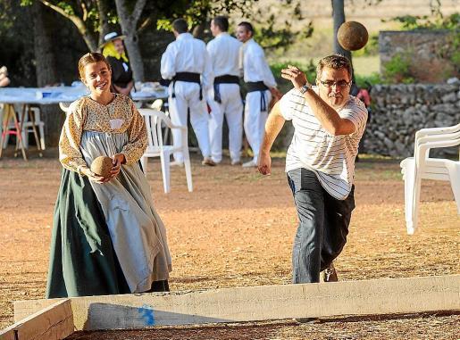 Los juegos tradicionales también tuvieron su protagonismo en el Pou de Forada.
