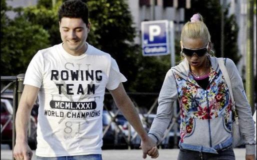 Foto de archivo de Belén Esteban y su marido.