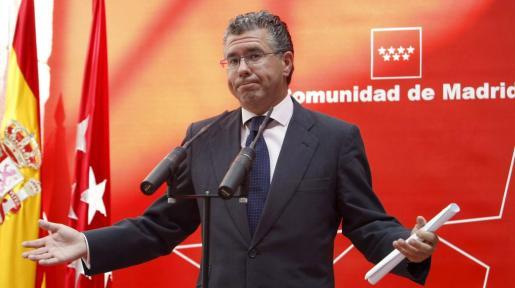 Fotografía de archivo (Madrid, 15/07/2010) del senador y diputado en la Asamblea de Madrid Francisco Granados.