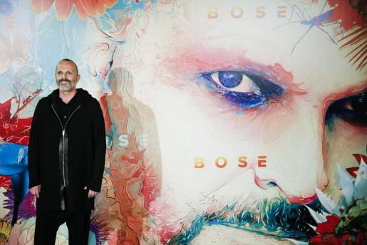 Miguel Bosé presentando su nuevo disco 'Amo'.