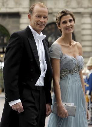 Rosario Nadal y Kyril de Bulgaria, a su llegada a la boda de la princesa heredera Victoria de Suecia y su prometido, Daniel Westling, en la catedral de San Nicolás de Estocolmo.