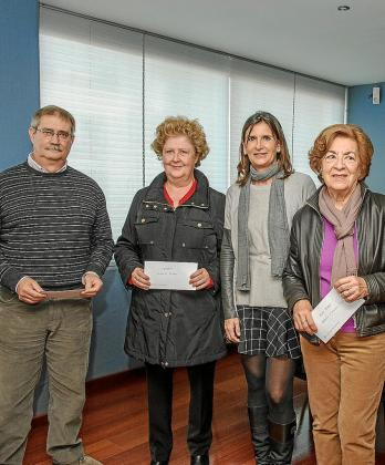 Carmen Matutes (segunda por la derecha) con representantes de entidades.