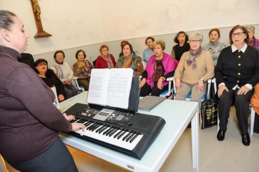 EIVISSA / IBIZA: Coro Parroquia Santa Cruz.