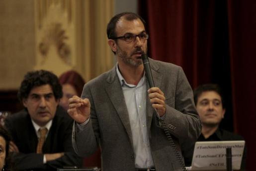 El diputado de MES Biel Barceló, durante una intervención parlamentaria.