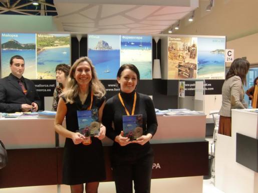 Foto de archivo de las conselleras de turismo de Eivissa y Formentera en FITUR.