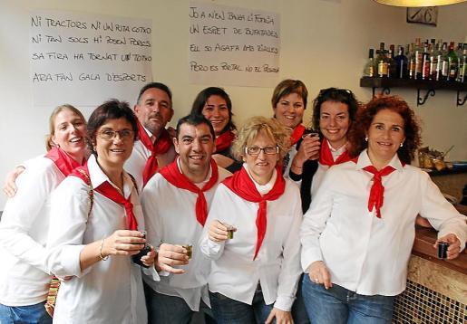 Victòria Picó, Maria Bel Gelabert, Rafel Oliver, Lluís Ferrer, Magdalena Alzina, Margalida Ginard, Maria Morey, Caterina Carrió y Balbina Gil.