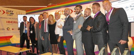 Eivissa debe recuperar el 'sello' de 'paraíso gay' que nunca debió perder. Para ello, instituciones y empresarios deben ir de la mano.