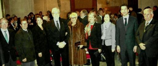 Joan Rotger, Llorenç Huguet, Margalida Durán, Joan Pons y su esposa, Nini Moll; Núria Riera, Catalina Sureda, Fernando Gilet y Rafael Perelló-Paradelo.