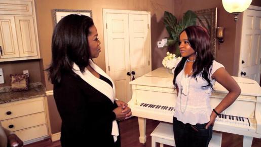 La popular presentadora Oprah Winfrey entrevista a Bobbi Kristina Brown, hija de la desaparecida Whitney Houston.