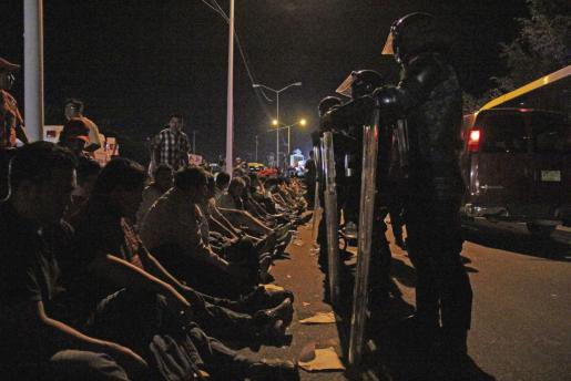 Maestros de la CETEG heridos tras el enfrentamiento con la Policía en el puerto de Acapulco del estado mexicano de Guerrero.