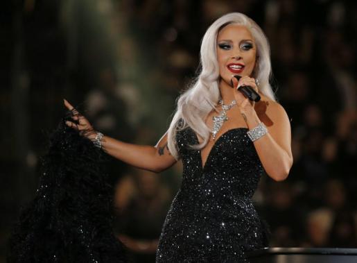 Lady Gaga durante su actuación en los Grammy Awards.