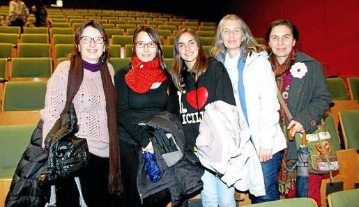 Angélica Aguiló, Antonia Martorell, Ruth Mayoral y Manuela y Joana Aguiló.