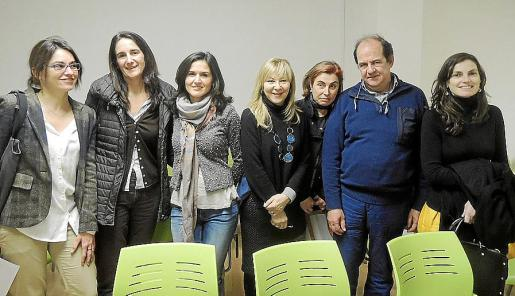 Beatriz González, Ana Bauzá, Noelia Izquierdo, María Ángeles Ventayol, Isabel Masgrau, Alejandro Pou y Concha Montis.