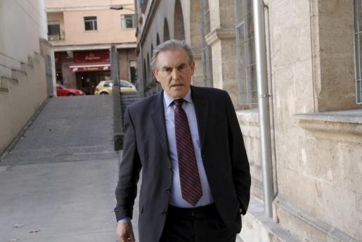 El empresario Antonio Pinal a su llegada a los juzgados de Palma.