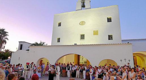 Sant Josep vivirá su día grande este jueves y podremos disfrutar de danzas y grupos musicales.