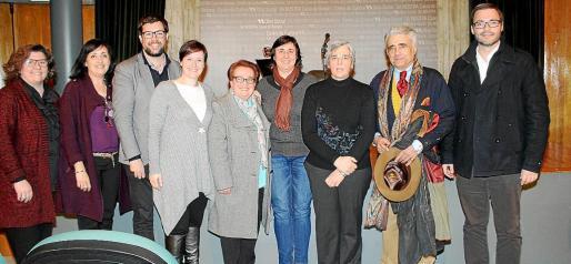 Catalina Cirer, Mercedes Varela, Toni Noguera, Aina Ferriol, Teresa Cardenes, Begoña Sánchez, Felicidad Martínez, Ramón Montis y José Hila.
