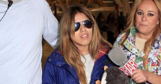 Chabelita, ayer en el aeropuerto antes de embarcar rumbo a Honduras.