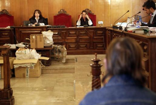La Fiscalía reclama siete años y medio de cárcel para Cristóbal Carlos T.G.