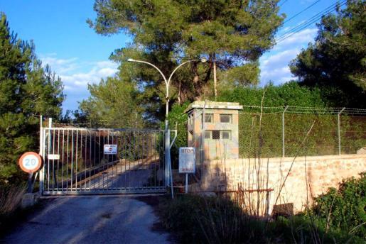 Entrada al polvorín militar de Santa Gertrudis.