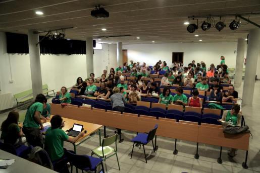 Momento de la reunión de la Assemblea de Docents.