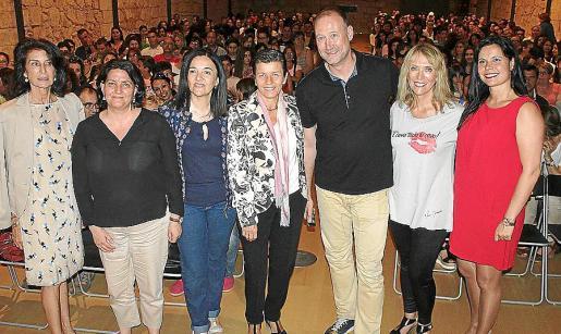 Carmen Planas, Carme Rotger, Margalida Ramis, Carmen Serra, Pedro García Aguado, Lina Pons y Mónica Fernández.