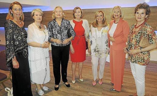 May Fernández de la Puente, Gabrielle Lavenstein, Matilde Thomás de Carranza, Socorro Rilova, Rafi Córdoba, Marta Juan de Sentmenat e Inma Alomar.